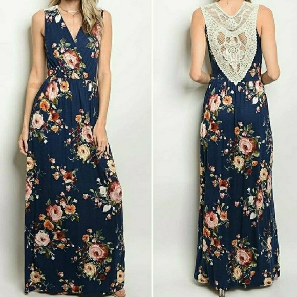 October Love Dresses & Skirts - BNWT Navy floral maxi dress